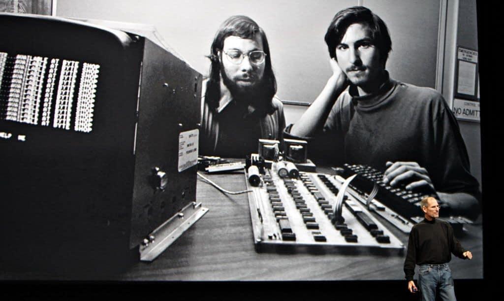 Jobs i Wozniak w początkach kariery spółki Apple