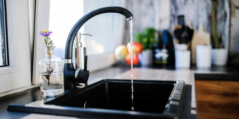 niskie cisnienie wody oszczedzajace zuzycie - 35 Sposobów Oszczędzania Wody w Domu i Mieszkaniu