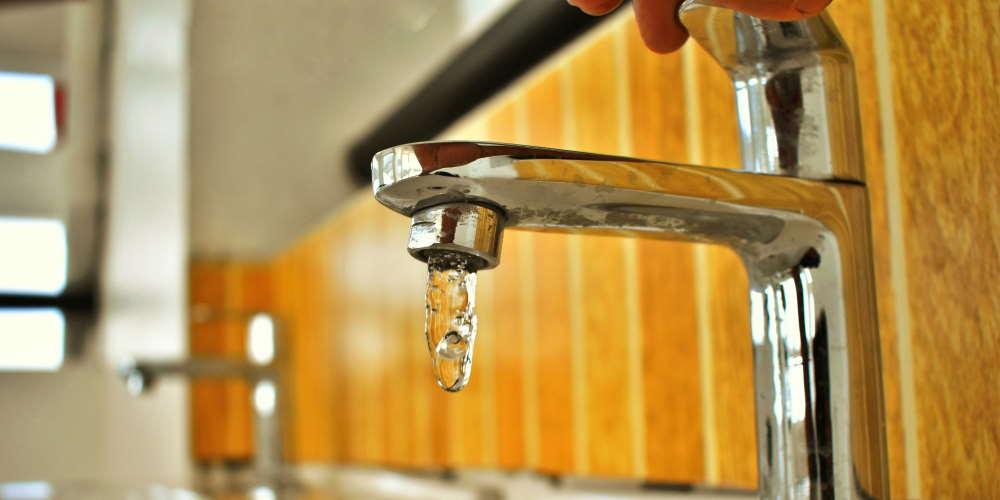 oszczędzanie wody Należy wykorzystać każdą kroplę - 35 Sposobów Oszczędzania Wody w Domu i Mieszkaniu
